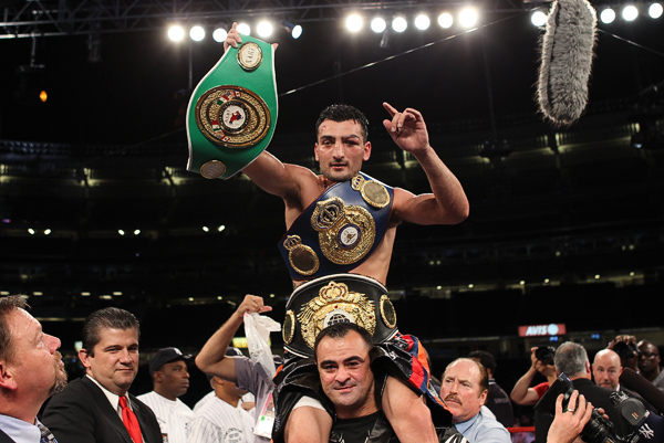 Vanes Martirosyan adds another belt to his collection